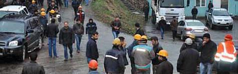 Zonguldak Ereğli'de Maden İşçileri, işten çıkarılan arkadaşlarına sahip çıktı