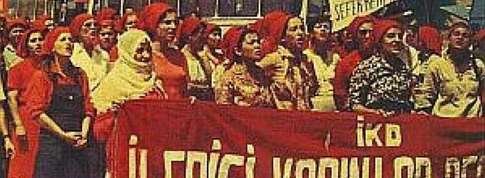 İlerici Kadınlar Derneği'nin yürüyüşünden